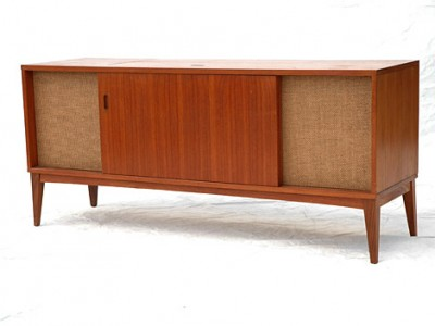 Clairtone Stereo Cabinet by Flickr User Stephen Coles (CC BY-NC-SA 2.0)