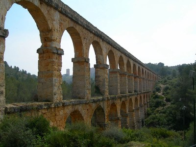 Roman Aqueduct, Tarragona, Spain by Wikimedia user Pamela McCreight (CC BY-SA 2.0)