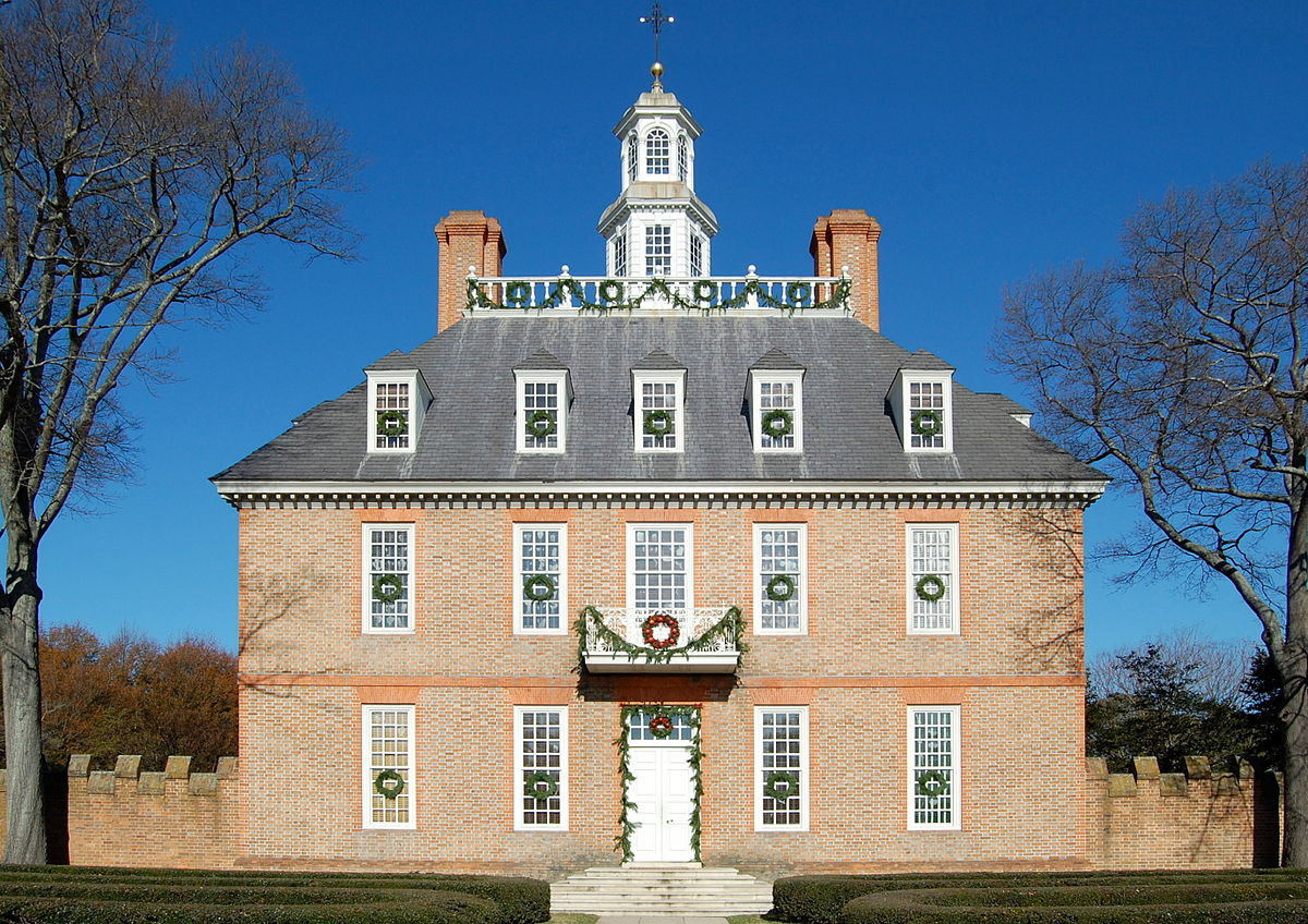 Colonial Williamsburg Governor's Palace Main Building by Wikimedia user Fletcher6 (CC BY-SA 3.0)