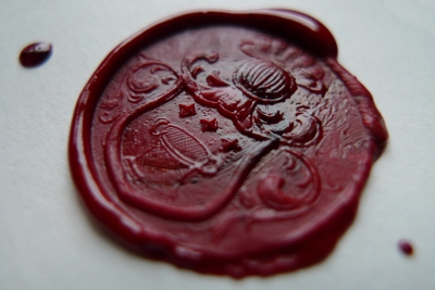 Wax seal by Wikimedia user Andre R. Brodtkorb (CC BY-SA 3.0)